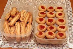 """Η Συνταγή είναι από κ. Despo Ermogenous– """"ΟΙ ΧΡΥΣΟΧΕΡΕΣ / ΗΔΕΣ"""". Υλικά 1 Spry 350g (φυτικό βούτυρο) 1/2φλ.ηλιέλαιο 1 φλ.ζάχαρη ή 2 φλ.ζάχαρη άχνη 1 ποτ.χυμο πορτοκαλιού 2 βανίλιες 2κγ. ανθόνερο 2 κ.γ μπεικιν πάουντερ Onion Rings, Sweets Recipes, Greek Recipes, Hot Dogs, Ethnic Recipes, Gymnastics, Foods, Fitness, Food Food"""