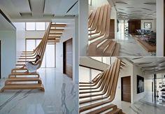 Escadaria em madeira...