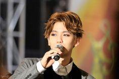 Baekhyun - 150122 24th Seoul Music Awards Credit: Reflection. (제24회 서울가요대상)