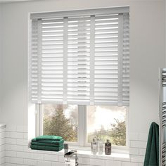 Gloss Ultra White Fabric Blinds, Curtains, White Wooden Blinds, Magnetic Blinds, Store Venitien, Blinds Design, House Blinds, Bamboo Blinds, Mini Blinds