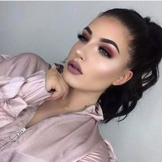 Love Day Inspired Full Face Makeup for a Bright Face #valentinesdaymakeup #Valentinesdayideas #Valentinesdaymakeuplooks #makeupideas #Februarymakeupideas