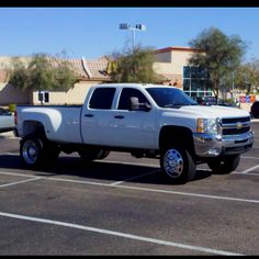 Chevy 3500HD beautiful! This is my dream truck I just wish I could afford it now.