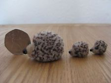 Vintage 1960's wool cut Mummy Hedgehog & 2 babies