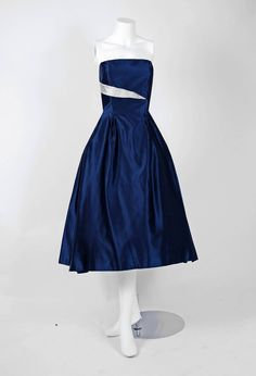 Lanvin Castillo Haute-Couture Navy and Ivory Satin Strapless Dress Ensemble 1950s Dresses, Evening Dresses, Ballroom Gowns, Jeanne Lanvin, Strapless Dress Formal, Formal Dresses, Elegant Outfit, Timeless Fashion, Dress Up