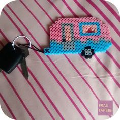 Llavero caravana | Camper keyring [Hama Beads]
