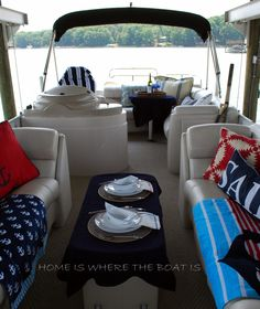 So cute - lunch on the pontoon boat!