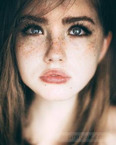 Fashion and Beauty Portrait Photography by Marta Syrko Tap the link now to find the hottest products to take better photos! Beautiful Freckles, Gorgeous Redhead, Beautiful Eyes, Gorgeous Girl, Beautiful Women, Portrait Photos, Beauty Portrait, Portrait Photography, Freckle Photography