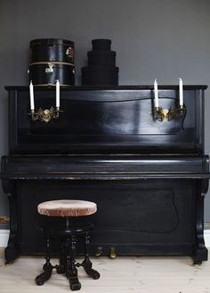 Black-Piano-Via-Johanna-Vintage-Blog-Remodelista
