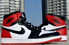 Nike Air Jordan 1 Retro - Black Toe