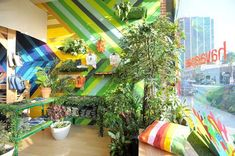 Los Angeles Pop-Up Shop  Havaianas Mercado Tropical Pop-Up Shop. Colorful and inviting! PopUpRepublic.com