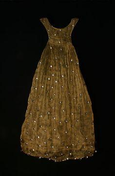 tanya lyons: Golden, hot-worked glass, brass mesh