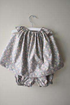 Vestido y culotte para bebé niña en tela de flores