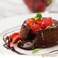 Only one bite is enough to melt your heart down like chocolate. Furnish your perfect fondant with fresh fruits. Delicioso!