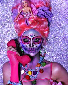 Going as Pink Barbie in Day of the Dead makeup.Halloween is all about over-the-top, and there is no better time of year to let your inner make-up artist soar! Sugar Skull Make Up, Halloween Makeup Sugar Skull, Cool Halloween Makeup, Sugar Skulls, Candy Skulls, Costume Halloween, Halloween Chic, Halloween Havoc, Halloween Inspo