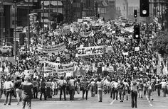 Protestors demonstrating against the Vietnam War clog Wilshire Blvd. as they march toward MacArthur Park.