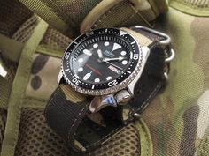 Seiko Diver SKX007 on 22mm MiLTAT Canvas G10 military watch strap, military color with lockstitch round hole, Camo