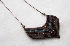 Collar con cuentas de bronce  longitud ajustable en Gipsy