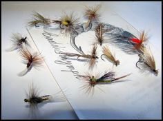 Moscas secas y caddis nymph, via Flickr.