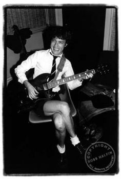 Angus Young, backstage 1981