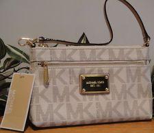 296ac627963d  MICHAELKORS JET SET LARGE WRISTLET BAG CLUTCH VANILLA PVC SIGNATURE  PURSE  NEW
