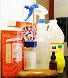 cleaning with vinegar, vinegar uses All Natural Cleaning Products, Homemade Cleaning Products, Household Products, Cleaning Recipes, Household Tips, Cleaning Hacks, Diy Cleaners, Cleaners Homemade, Vinegar Uses
