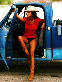 Cowboy boots + hat
