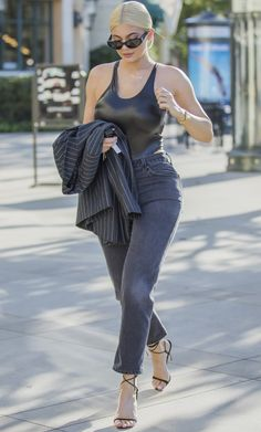Kylie Jenner Style, Kardashian, Gucci, Louis Vuitton, Chanel, Sporty, Hollywood, Street Style, Black And White