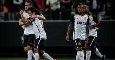 Corinthians vence com gol de talismã e espera Atlético-MG para ser campeão