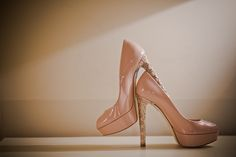 The amazing bridal shoes with gold heels