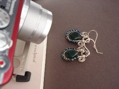 Jewelry Photography Set-Up Tips  and basic camera settings info for photographing jewelry - The Beading Gem's Journal