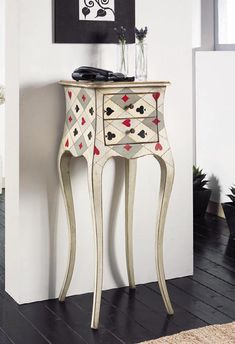 DIY Home Decor easy to elegant method to inspire your imaginative brain cells, ref 5309686604 - From do it yourself to boho decorating arrangements. quirky home decor ideas creative side tables article idea posted on this date 20181210 Funky Painted Furniture, Decoupage Furniture, Paint Furniture, Upcycled Furniture, Unique Furniture, Furniture Makeover, Cheap Home Decor, Diy Home Decor, Muebles Shabby Chic
