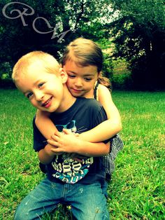 Brother Sister Photo Sibling Photography, Cute Photography, Sibling Pics, Siblings, Brother Sister Photos, Picture Ideas, Photo Ideas, Love Pictures, Family Pictures