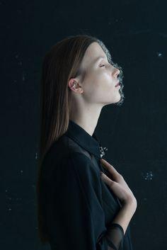 Isabelle Chapuis, en collaboration avec le plasticien végétal Duy Anh Nhan Duc, réalise trois séries légères et oniriques.
