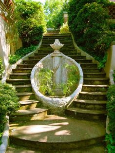 Beautiful split stairs. Source: mistyfairytale, via fictionaladyfeels