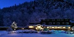 Inn at Long Trail, Killington, VT.  One of my favorite places to stay, located right on Long Trail for hiking, with a wonderful Irish pub, comfy rooms and lovely gourmet meals in their dining room during the winter months.  Not luxe, but a casual, comfortable favorite!!