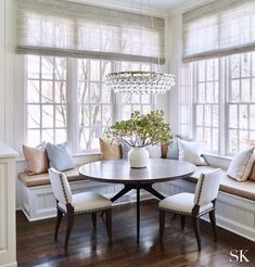 Top 10 Favorite: Beautiful Breakfast Rooms - Design Chic breakfast room design with built in banquette, traditional dining room in open floor plan kitchen, eat in kitchen with neutral dining room decor with crystal chandelier and banquette seating Dining Nook, Dining Room Design, Built In Dining Room Seating, Banquette Seating In Kitchen, Kitchen Room Design, Dining Decor, Dining Tables, Dining Chair, Corner Banquette