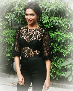 Deepika Padukone Hot Outfits, Casual Outfits, Fashion Outfits, Fashion Ideas, Fashion Inspiration, Deepika Padukone Style, Celebs, Celebrities, Beautiful Actresses