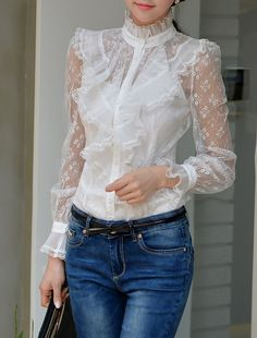 white lace blouse with transparent sleeves and ruffles all over the … Casual Outfits, Cute Outfits, Outfit Trends, Parisian Style, Mode Style, Casual Chic, Blouse Designs, Passion For Fashion, White Lace