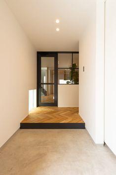 beautiful home interior Interior Stairs, Room Interior, Interior Architecture, Interior And Exterior, Interior Styling, Interior Design, House Entrance, Japanese House, Minimalist Interior