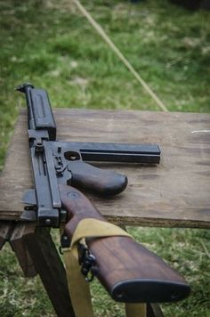 Thomas Sub Machine Gun