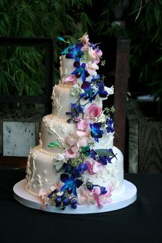 pink blue and white wedding cakes black and white wedding cupcakes black and white 18569