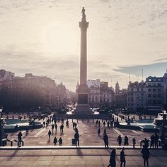 Beautiful afternoon light at #TrafalgarSquare. #NelsonsColumn towers above the passers-by. Shot by @jono46k  // #thisislondon #nationalgallery by london