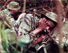 Reddit - MilitaryPorn - Sergeant Curtis E. Hester firing his M-16 rifle, Sergeant Billy H. Faulks calls for air support, Co D, 151st (Ranger) Inf., Vietnam, 1969 [1280x1000]