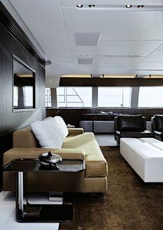 Le superyacht Vertigo dessiné par l'architecte naval Philippe Briand et agencé par Christian Liaigre © Mark Seelen