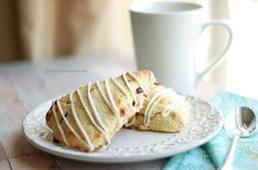 The Sweet Chick: Lemon Cranberry Scones