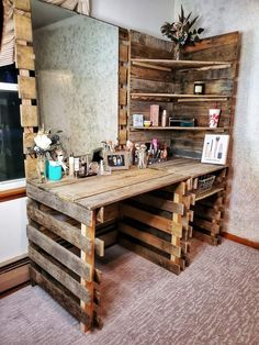 Western Bedroom Decor, Western Rooms, Western Decor, Deco Cool, Diy Pallet Furniture, Pallet Desk, Diy Pallet Vanity, Unique Wood Furniture, Pallet Closet