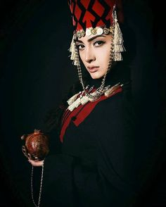 Armenian Traditional Costume (Taraz)