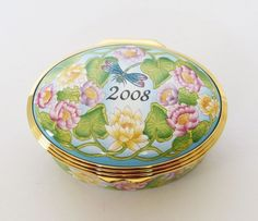 Boxed HALCYON DAYS Enamels 2008 YEAR To REMEMBER Oval TRINKET Pill POT Patch BOX