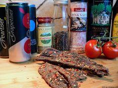How to make spicy biltong chili bites | Biltong Blog Peri Peri Recipes, Jerky Recipes, Biltong, South African Recipes, Dehydrator Recipes, Coriander, I Foods, Chili, Sausage