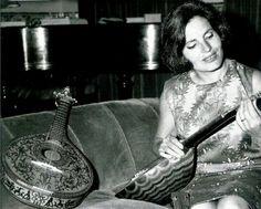 Amalia rodrigues Amalia Rodriguez, Jazz, Portugal Travel, Mandolin, My Heritage, Portuguese, My Music, Folk, Blues